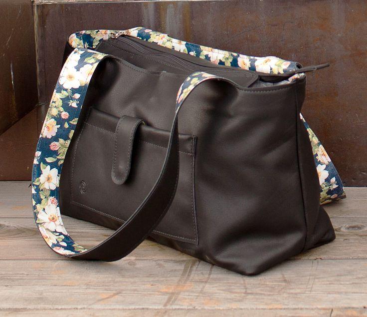 Sac en cuir fleuri / Blooming leather bag.