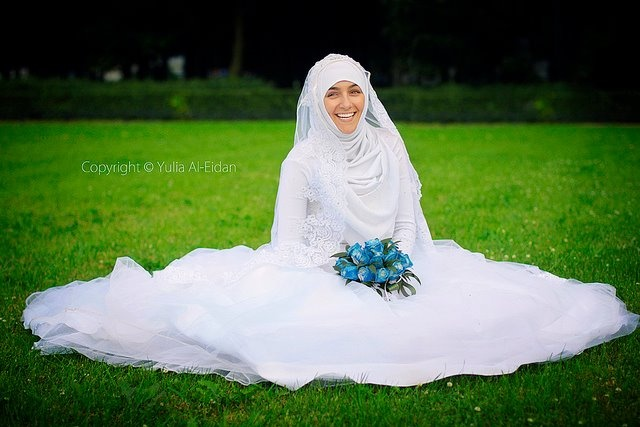 Dear future husband;  You don't have to be rich for me to love you  Be an imam in prayers. That's how I define gorgeous.  You don't have to have a nice voice and hush me with lovely songs. Recite the Kalamullah, Al Qur'anul Kareem.  That's how I would melt.  .  Please have a kind heart.  That's more than enough for me and my parents too.  Nobody's perfect. You are nobody.  So, just be a man who is a slave of Allah  have a kind heart full of love for me