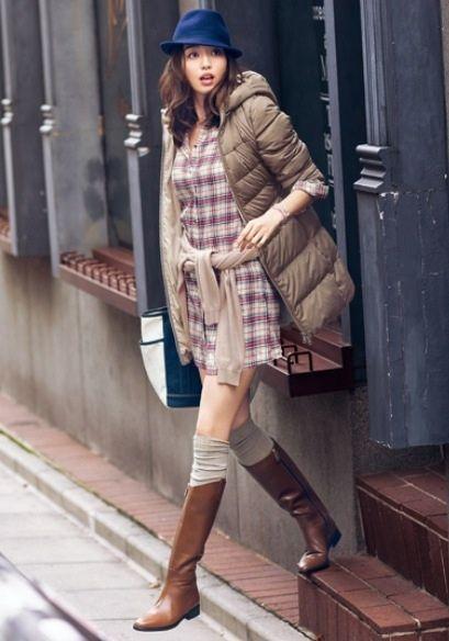 秋らしいロングブーツと合わせて季節感も出ておしゃれ♡秋冬ファッションに取り入れたいシャツワンピースコーデ♡