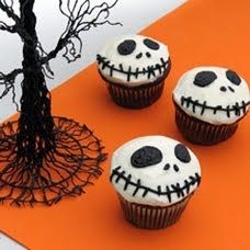 Cute way to decorate cupcakes for Halloween