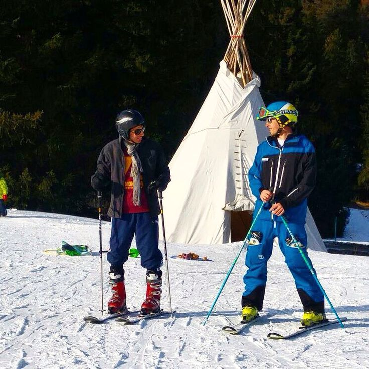 The connection between a guest and an instructor can be amazing. In just a couple of hours a friendship can be built that will last long after the clock has stopped. #arosalenzerheide #epicsnowsports #switzerland #lenzerheide #skiinstruction