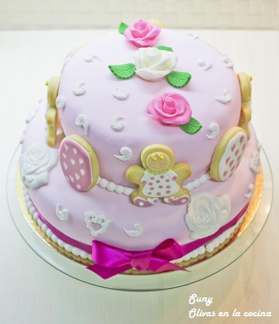 Una tarta fondant hecha con mucho cariño para Marina en su 5º cumpleaños.