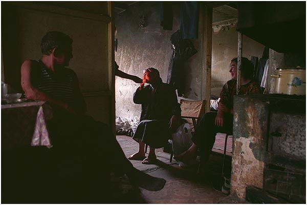 Sergey Maximishin Photography - Family of alcoholics