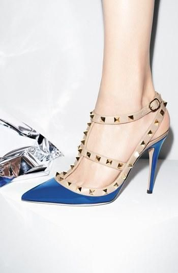 Showstopper! The signature Valentino 'Rockstud' Pump in blue.