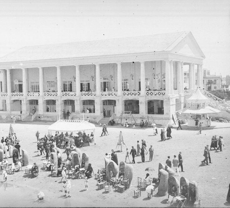 Playa y Balneario de las Arenas, entre 1914 a 1930. Fotografía de Francisco Roglá López, (1894-1936). Colección de fotografías de Valencia. Donación Familia Roglá