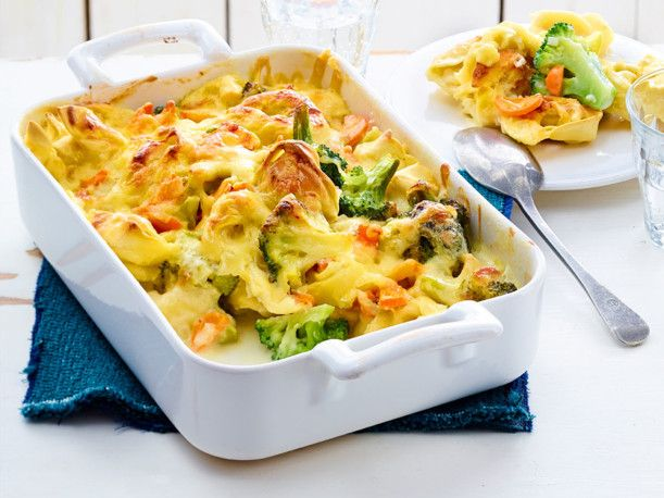 Unser beliebtes Rezept für Auflauf mit Tortelloni und Brokkoli und mehr als 55.000 weitere kostenlose Rezepte auf LECKER.de.