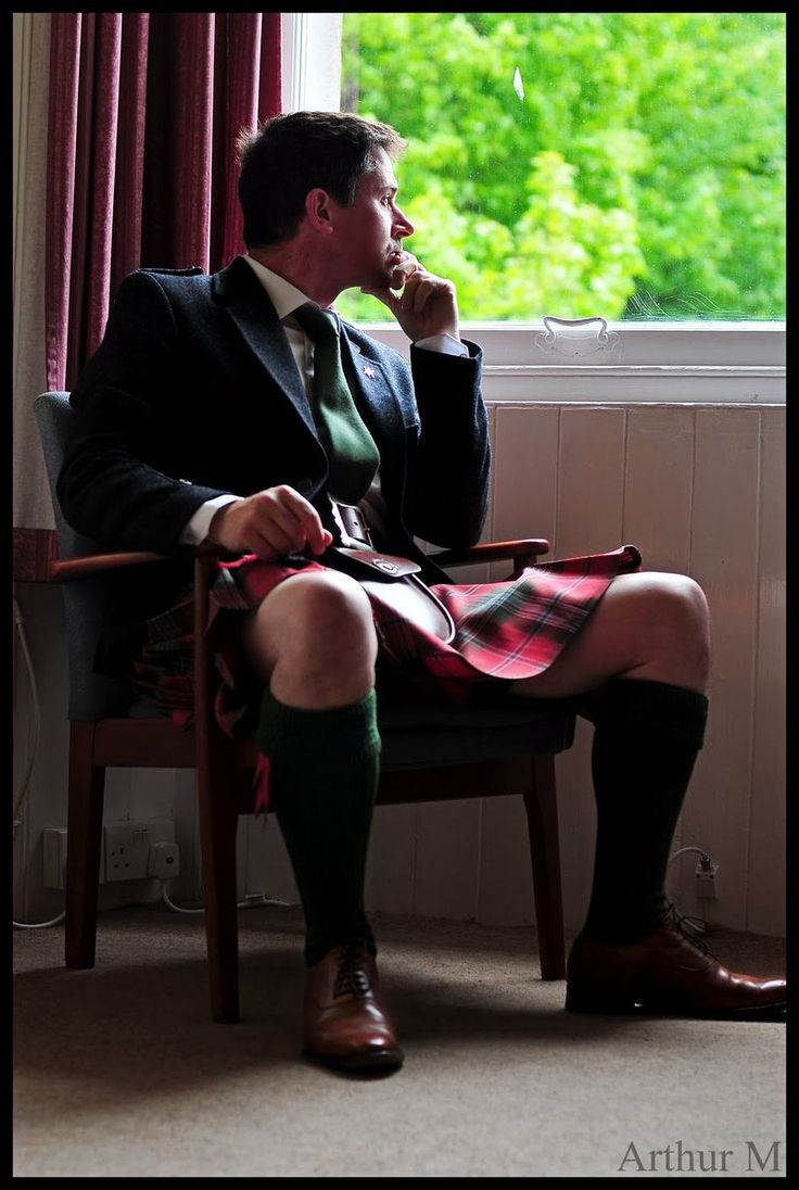 Arthur in a kilt! You can tell a lot about a man by the way he sits in a kilt