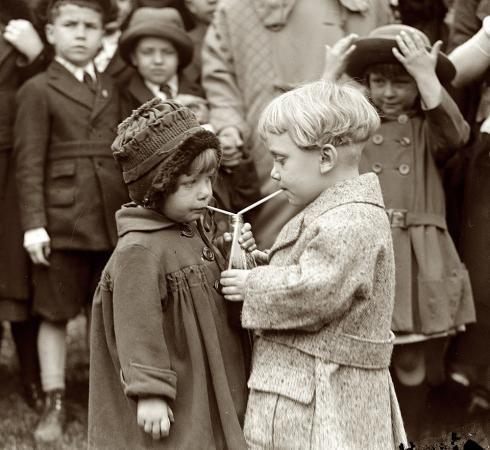 Sharesies: 1922 photo