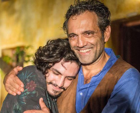 Velho Chico -  Santo apresenta Miguel como seu filho para a família #AFazenda, #CamilaPitanga, #Globo, #Hoje, #M, #Nova, #Novela, #Novo http://popzone.tv/2016/07/velho-chico-santo-apresenta-miguel-como-seu-filho-para-a-familia.html