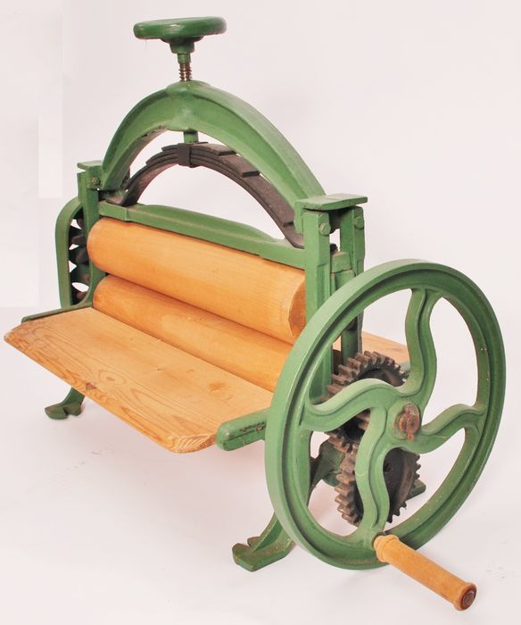 Catawiki online auction house: Antique washing mangle - Denmark, ca. 1900