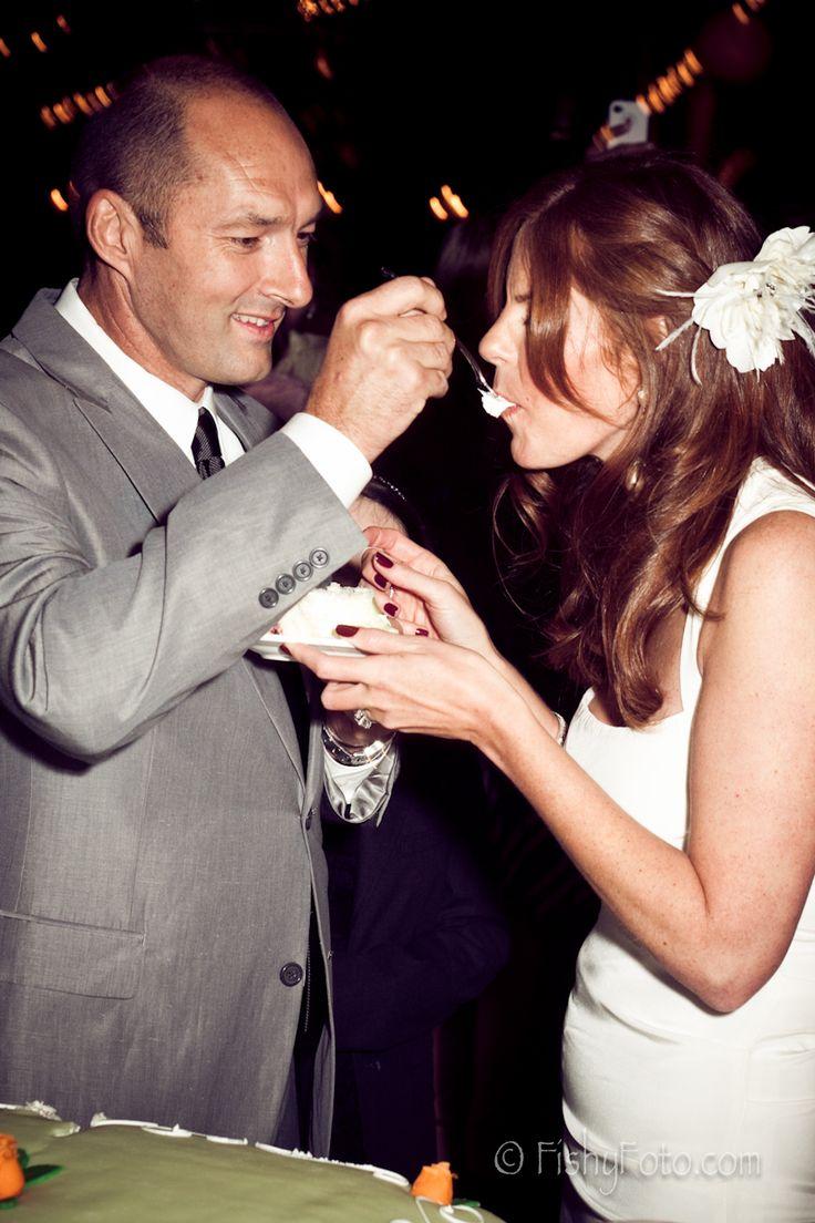 見ていて微笑ましい〜♡結婚式のファーストバイトのアイデア♡ウェディング・ブライダルの参考に♪