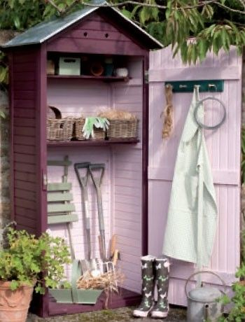 Pink shed interior....love!