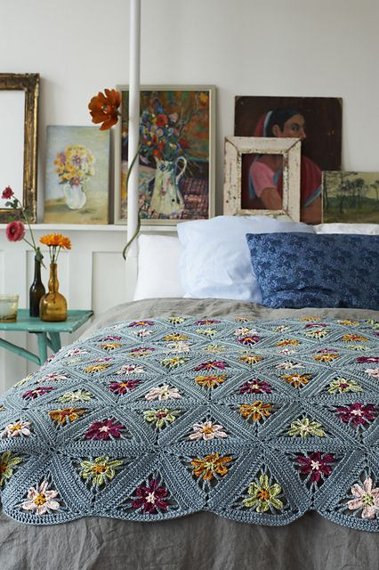 Today's crochet in the home pic is a pretty amazing afghan created by Nicki French. It's stunning right?Silk Road Blanketby Nicki TrenchPublished in:Crochet BasicsSimply Crochet, Issue 26