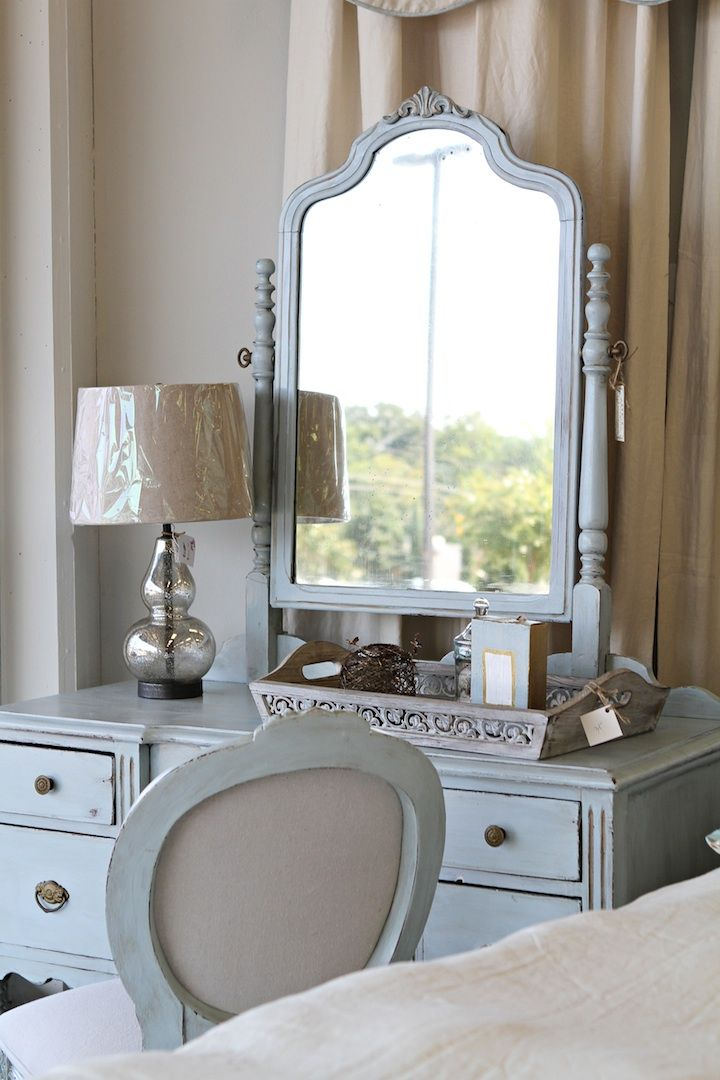 Breakfast & Brushes using decorative Chalk Paint by Annie Sloan