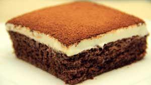 Kremalı Islak Kek Tarifi - Resimli Kolay Yemek Tarifleri