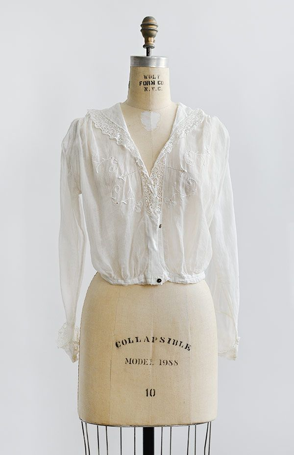 antique 1910s Edwardian clovers embroidered blouse