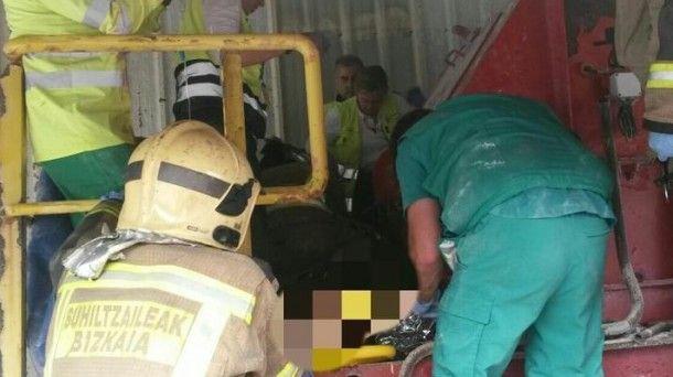 Al parecer, el trabajador se enganchó en una cinta transportadora de graneles y perdió un brazo, el hombro y parte del tórax.