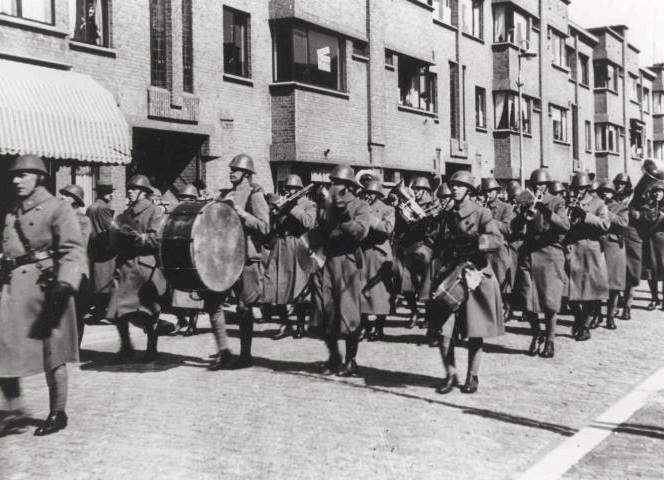 Mobilisatie-optocht, Vlierboomstraat, 1939.