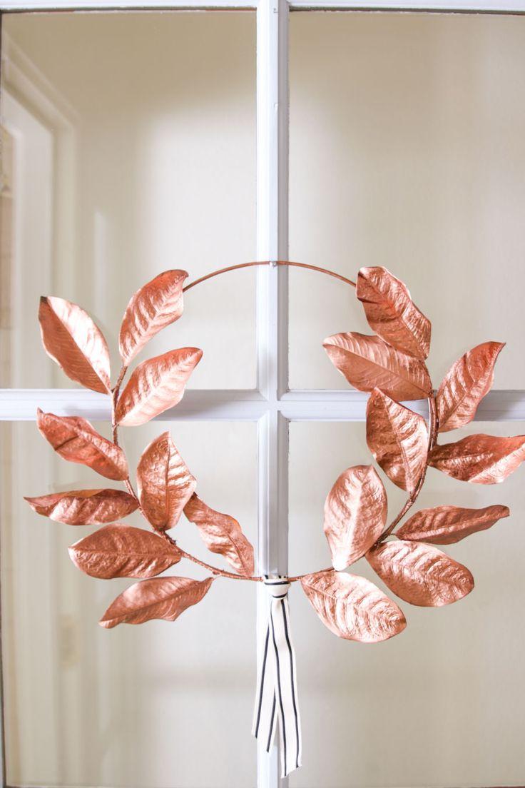 Acorn Wreath, Owl Wreaths, Diy Fall Wreath, Fall Diy, Wreath Tutorial, Diy Tutorial, Magnolia Leaf Garland, Modern Wreath, Floral Hoops