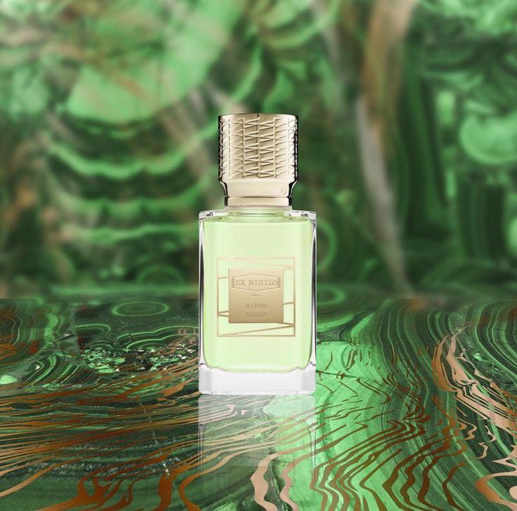 http://perfumeforme.ru/ex-nihilo-viper-green-zelenaya-gadyuka  Духи Ex Nihilo Viper Green это очередной шедевр, представленный парфюмерным домом Ex Nihilo в начале 2017 года.  Мотивом для создания элитного парфюма Ex Nihilo Viper Green стал образ роковой женщины (femme fatale), чья красота является олицетворением противоречий между силой и чувственностью, опасностью и непосредственностью.  В неподражаемо бесподобных духах Экс Нихило Зеленая Гадюка очень эффектно сочетаются яркие и сочные…