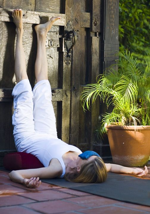 Yoga For Menopause. 5 Poses To Balance Your Hormones. | Second Spring Health #asksabina