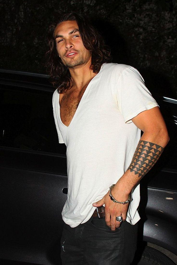 Jason Momoa... SO hot. Long hair and tats? Yes please!