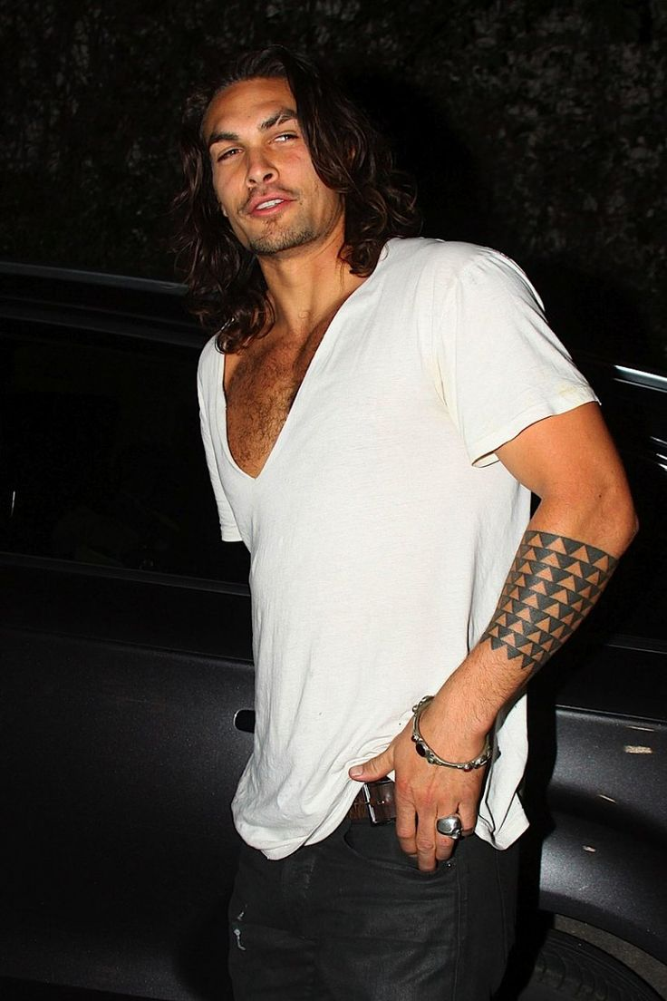 Jason Momoa... my new man crush after watching him on Game of Thrones. SO hot. Long hair and tats? Yes please!