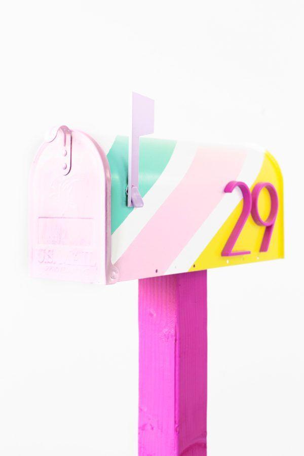 DIY Striped Mailbox Makeover | http://studiodiy.com