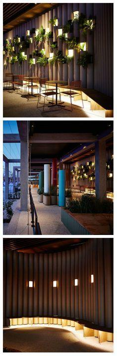 Заведение носит название Wulugul Pop-Up, площадь кафе 170 метров квадратных. Отделка здания было полностью выполнена из картонных трубок, которые изготовлены из переработанных материалов.  Еще одним замечательным решением была организация оригинального освещения кафе. В картонных трубках местами были сделаны прорези, сквозь которые проникает свет. Данное дополнение является декором и служит вспомогательным источником света. #кафе #светодиоды #освещение #подсветка #светодиодноеосвещение #свет