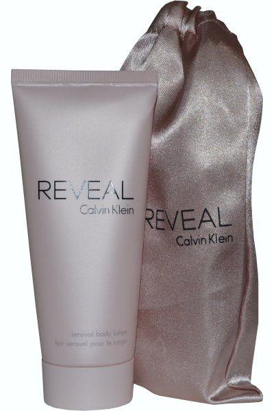 Η Reveal by Calvin Klein Body Lotion είναι μία λεπτόρρευστη, ενυδατική λοσιόν που αγγίζει το δέρμα σας σαν χάδι! Έχει πλούσια και βελούδινη υφή, η οποία απλώνεται εύκολα στο δέρμα, χωρίς να το βαραίνει, αφήνοντας το απαλό, ενυδατωμένο και με ένα υπέροχο άρωμα. Μαζί με το body lotion παίρνετε και δώρ