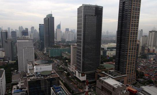 Pada artikel berikut ini dijelaskan apa saja yang menjadi faktor atau alasan mengapa sewa office space di Jakarta lebih menguntungkan bagi para pengusaha. Kota Jakarta merupakan pusat bisnis yang terbesar di Indonesia, sehingga bisnis dapat tumbuh dengan cepat di kota metropolitan ini.