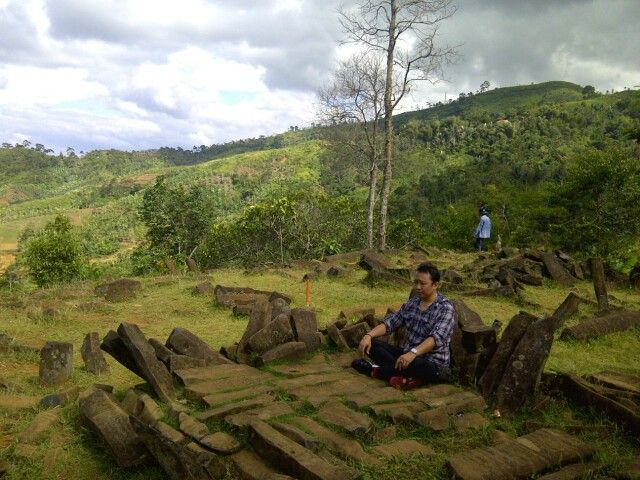 Gunung Padang @ Cianjur, the remnant of another civilization with much mysterious advanced technologies make the energy field here so nice and tranquil
