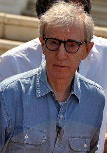 Quand on est intelligent, il est plus facile de faire l'imbécile que l'inverse.- Woody Allen