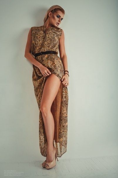 Платье Yana Tsvetkova, Туфли Mascotte http://tagbrand.com/pz/1710104