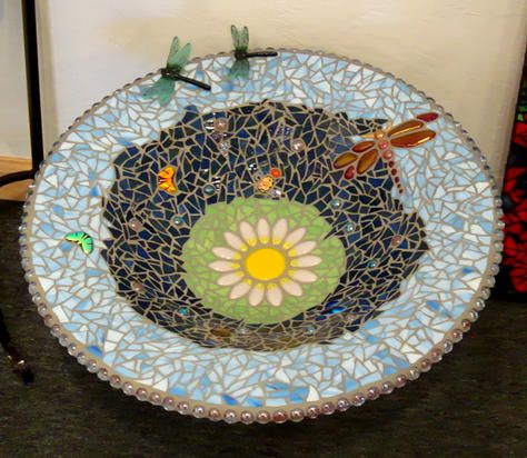 mosiac bird bath.  Maybe I should do this to my birdbath with all the free time I have.