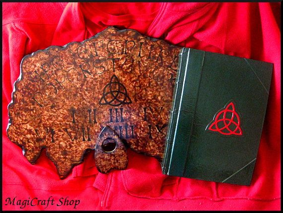 BOX MEDIUM Charmed - Ouija Board medium size 40x30 cm - Book of Shadows medium size 22x16 cm - wicca pagan