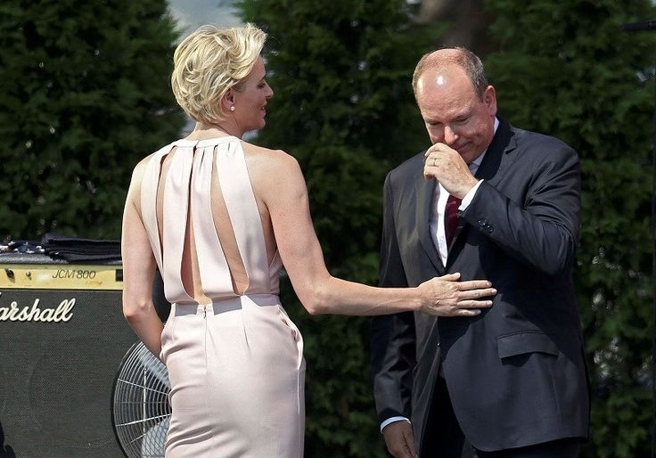 Prins Albert barst in tranen uit bij speech Charlene - Het Nieuwsblad: http://www.nieuwsblad.be/cnt/dmf20150713_01774598?_section=63000679