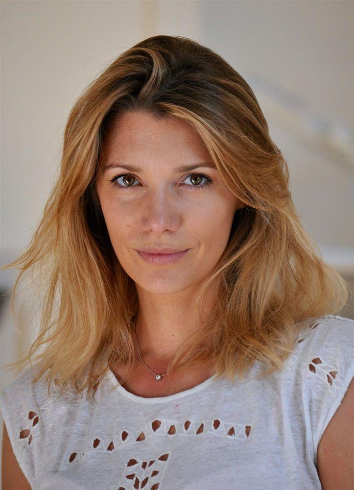 Caroline Le Moing- Fiche Artiste  - Artiste interprète,Auteur,Metteur en scène - AgencesArtistiques.com : la plateforme des agences artistiques