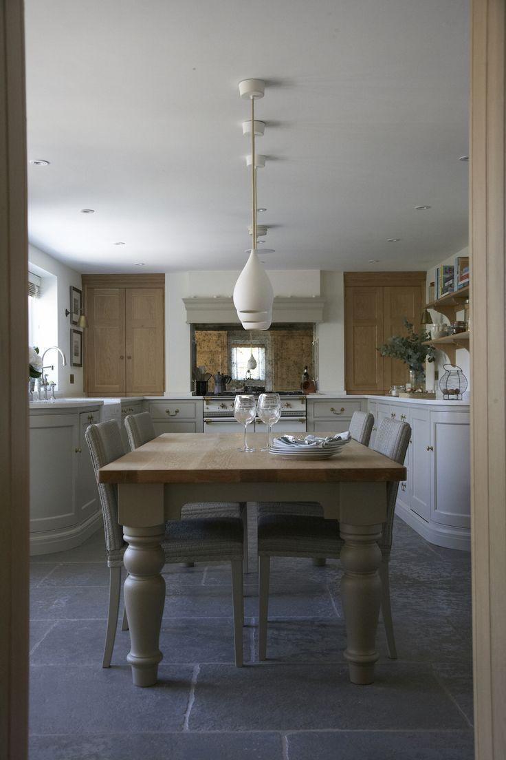 Mulberry Cottage - Classic English Cottage Kitchen - Humphrey Munson
