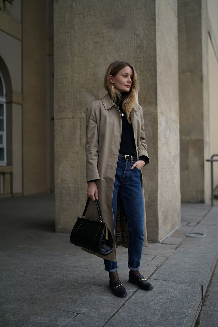 http://www.patiness.com/2018/02/the-burberry-trench-coat-vintage.html