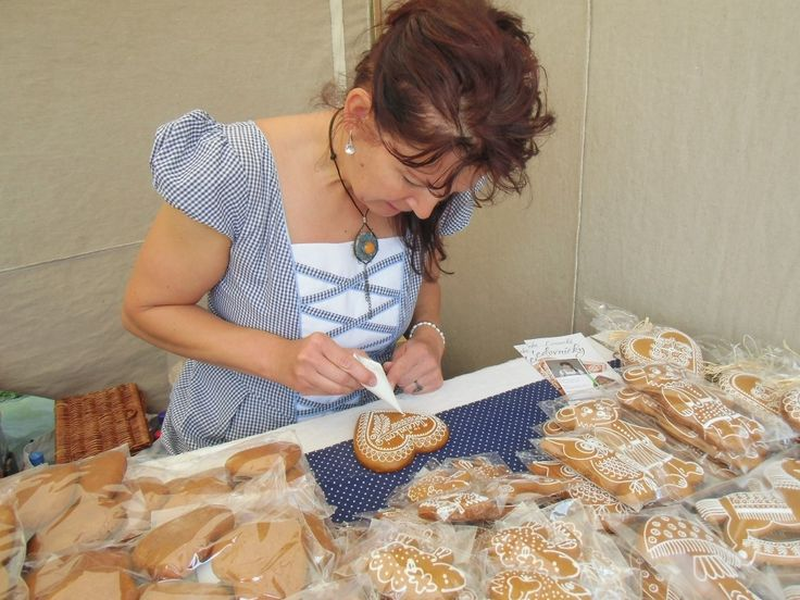 Folk arts and crafts Slovakia -women manufactures gingerbread