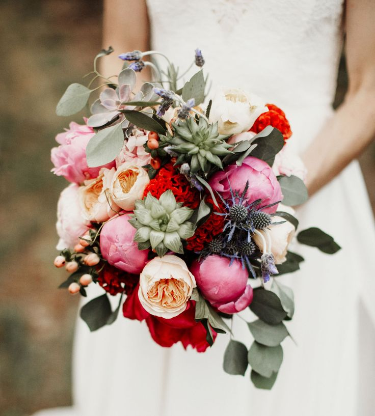 A succulent and peony bouquet for the boho bride