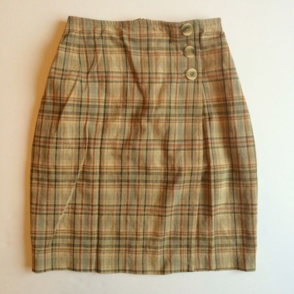 Vintage Marks & Spencer's Skirt Vintage Marks and Spencer's skirt size US 10 excellent vintage condition. This is the perfect addition to your closet and also a great look for fall! Skirts Mini
