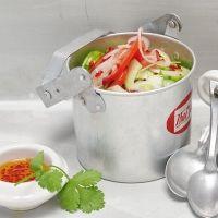 Thailändischer Gurken-Tomaten-Salat