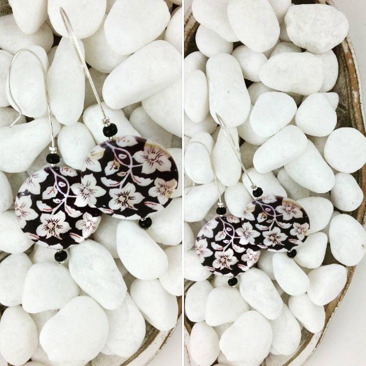 #undercoverhippie #jewelry #earrings #handcrafted #silver #flowers