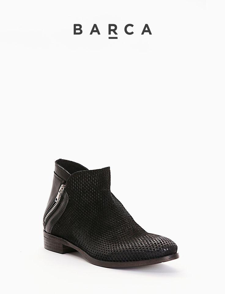 #Stivaletto #tacco 20, fondo #cuoio e soletto in vera #pelle, tomaia in morbida pelle lavorazione forata e #washed con punta stondata, Cerniera laterale per una calzata facile e comoda.      COMPOSIZIONE  FONDO CUOIO, SOLETTO VERA PELLE      CARATTERISTICHE   Altezza tacco 2 cm      COLORE   #Nero      MATERIALE   #Pelle  #Madeinitaly #scarpe #moda #scarpedonna #shoes #modadonna #inspirationmoda #springsummer