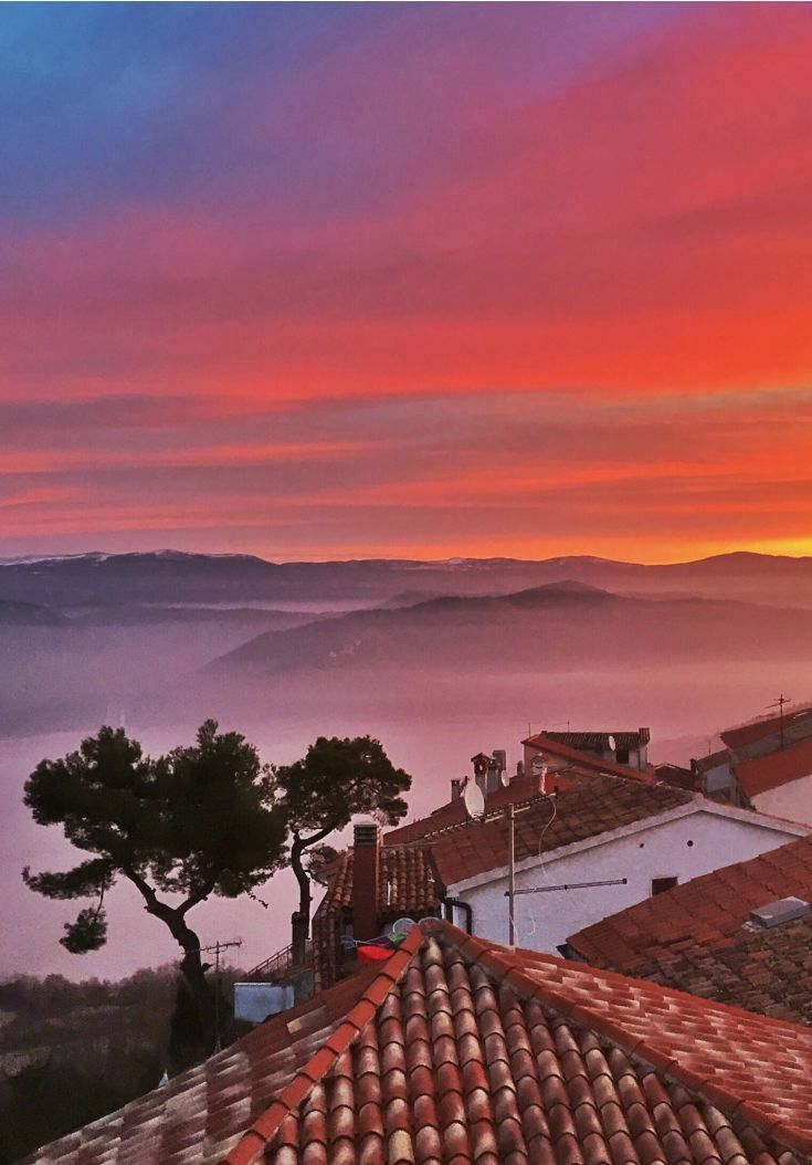 Croatia Travel Blog: Travel during harvest season brings a magical ambiance to Motovun, Istria. What does this season have in store for your holiday? Click to find out more!
