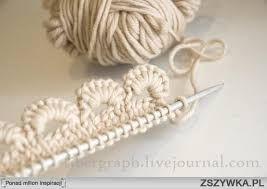 Znalezione obrazy dla zapytania ciekawy szalik na drutach