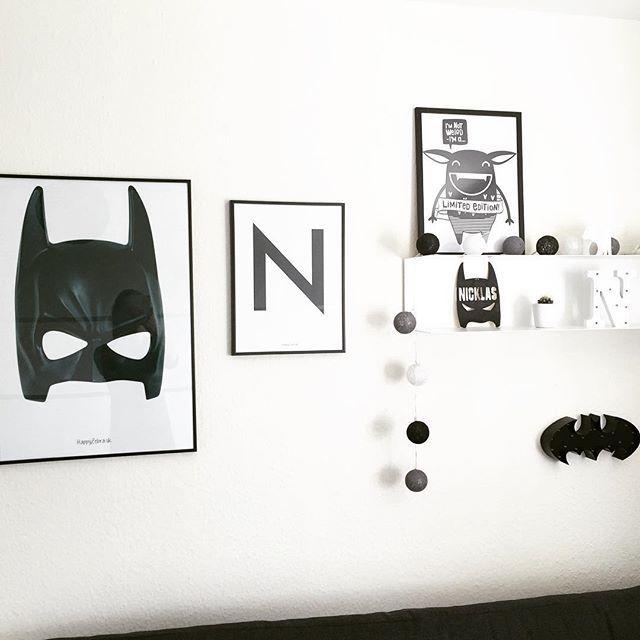 Batman  Husk at I lige nu kan vinde en valgfri ting fra @raaliving blandt andet den lækre Batman lampe, som en hver dreng vil elske.. Hop over til @raaliving og deltag og husk at følge alle ambassadørerne og selvfølgelig @raaliving og skriv  hvilken ting, du ønsker at vinde  Vinderen findes allerede i morgen. #vind #konkurrence #raaliving #boysroom #drengeværelse #batman #mosterkaren #kinderzimmer #nordickidsliving #kidsliving #kidsinterior #interiorforkids #børneværelse #børneint...