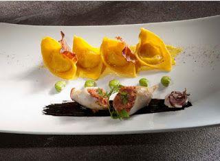 Denny Chef Blog: Ravioli di pasta fresca cacio e pepe con calamari farciti all'amatriciana